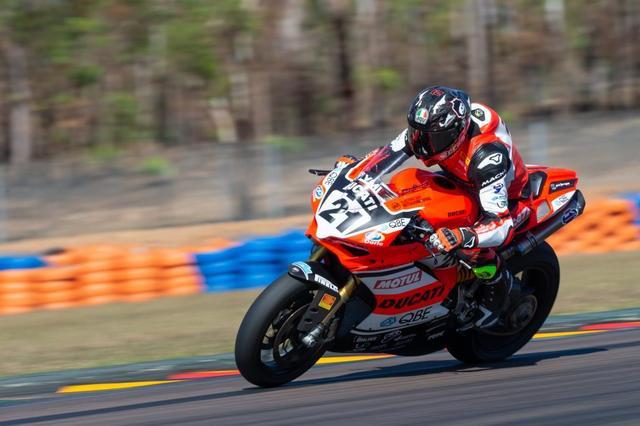 画像: 49歳になった今も、その速さは錆び付いていないことを証明したT.ベイリス。 www.asbk.com.au