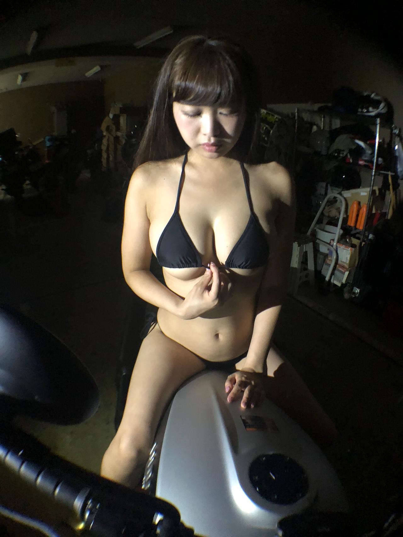 画像8: 目黒璃彩はトリプルセブン(平成7年7月7日生まれ)! 【Beauty & Bike】特別編: