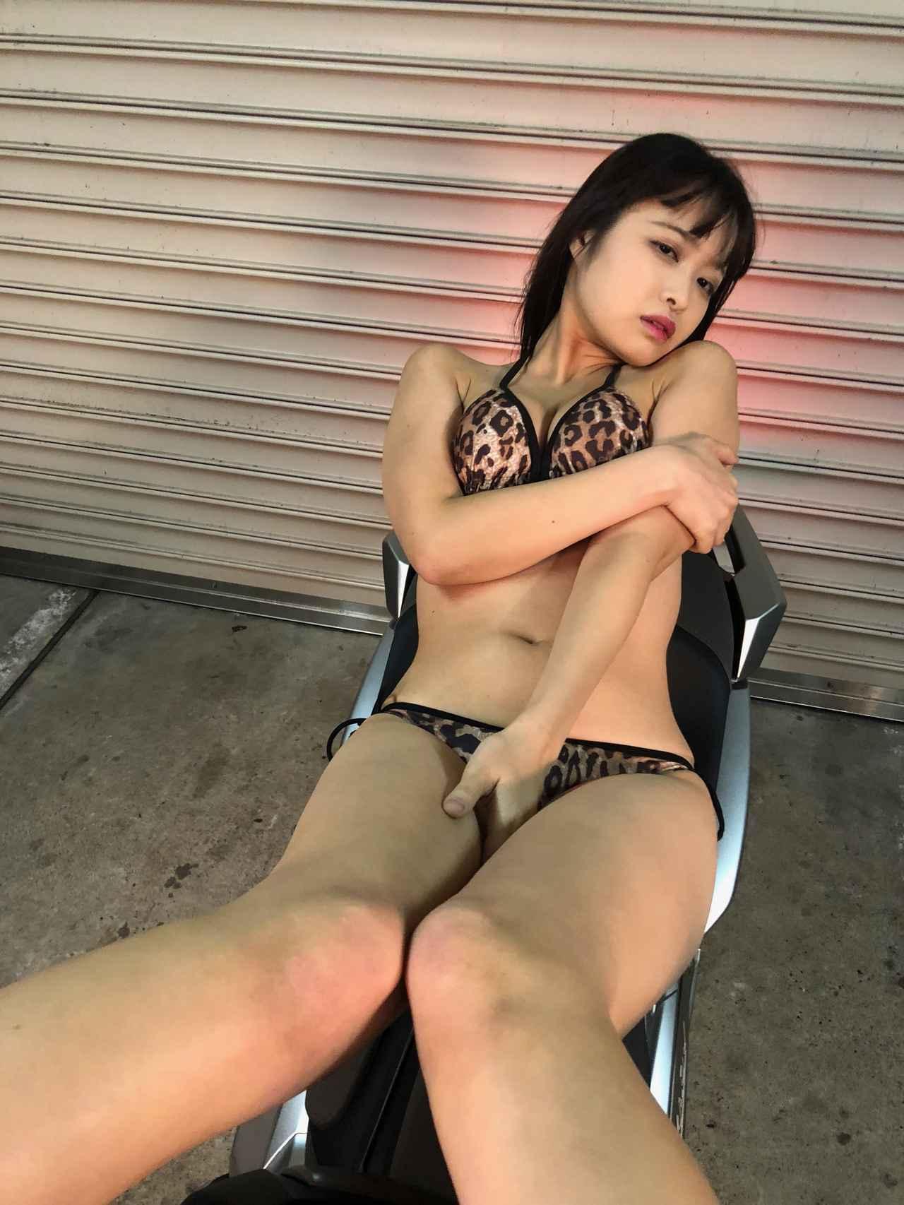 画像4: 目黒璃彩はトリプルセブン(平成7年7月7日生まれ)! 【Beauty & Bike】特別編: