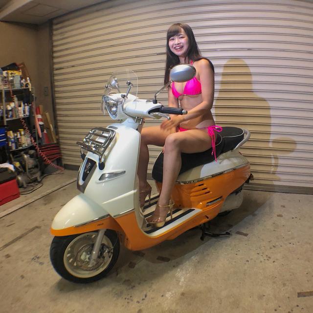 画像4: 【Beauty & Bike】璃彩と澪とプジョー ジャンゴ Vol.01
