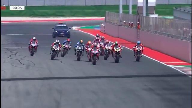 画像: ドゥカティライダーたちが同じパニガーレV4Sでレースをしたら、ダレが一番速いの・・・? がわかるスペシャルなレース!! - LAWRENCE - Motorcycle x Cars + α = Your Life.