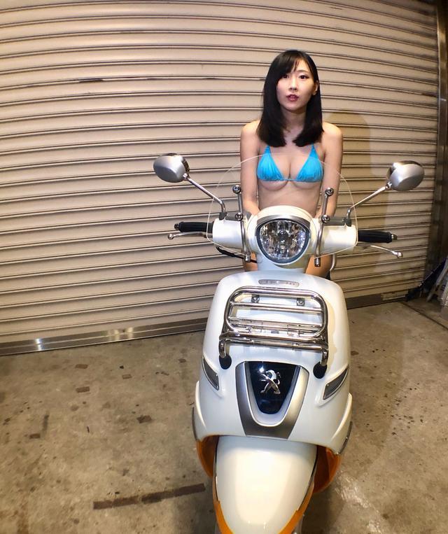 画像1: 【Beauty & Bike】璃彩と澪とプジョー ジャンゴ Vol.05