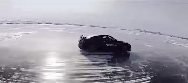 画像: 最速記録 時速294.8km!氷の上でNISSAN GT-Rが爆走する動画がかっこ良すぎる!!! - LAWRENCE - Motorcycle x Cars + α = Your Life.