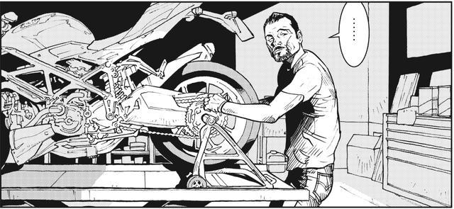 画像: 暢気な顔で誰かのバイクを修理中の松ちゃん。なによ、もう