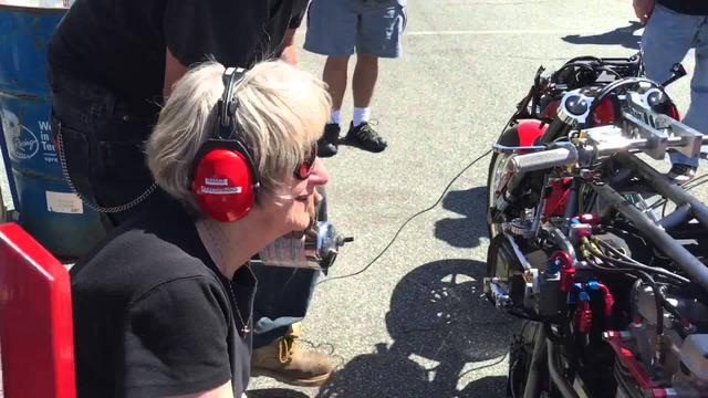 画像: Chris Hand Top Fuel Motorcycle Warm up youtu.be