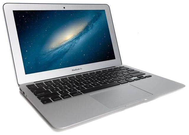 画像: MacBook Air 11-inch, MID 2013は、プロセッサ1.3 GHz Intel Core i5、メモリ4 GB 1600 MHz DDR3という、現在ではとてもショボイスペックです(苦笑)。 www.pcmag.com