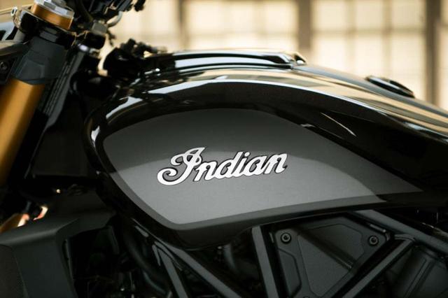 画像: サンダーブラックというカラーリングを採用。 www.facebook.com