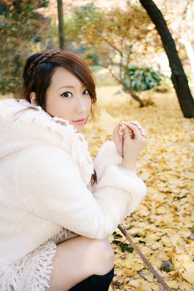 """画像: 食欲の秋もいいけど、""""紅葉デート""""に連れてって♡【水曜日のミク様】"""
