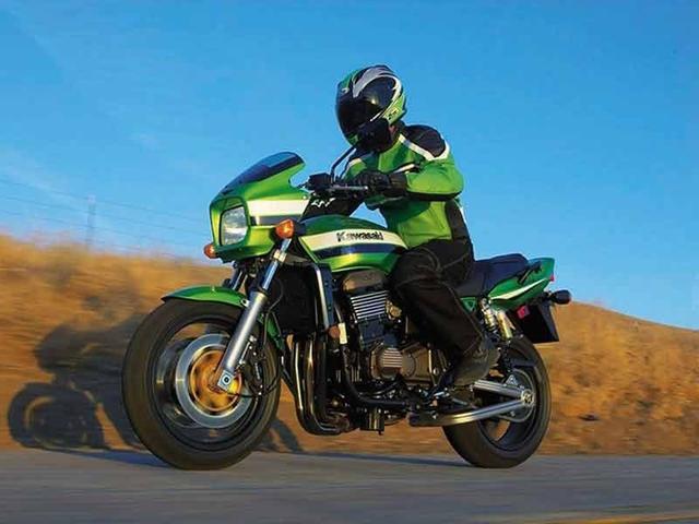 画像: 【グッドデザイン賞受賞バイク】ライムグリーン×ストライプ×水冷ネイキッドのにくいやつ!カワサキ ZRX。 - LAWRENCE - Motorcycle x Cars + α = Your Life.
