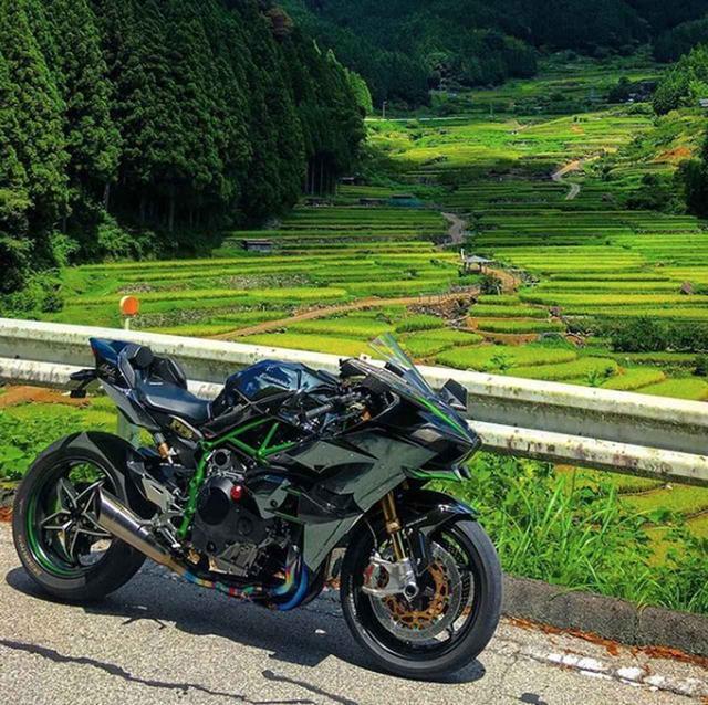 画像: 背景までカワサキグリーン!?Ninja H2の威力がハンパないです!【グラカワインスタ投稿紹介vol.3】 - LAWRENCE - Motorcycle x Cars + α = Your Life.