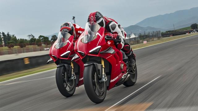 画像: Ducati Panigale V4 R - The Sound of Excellence youtu.be