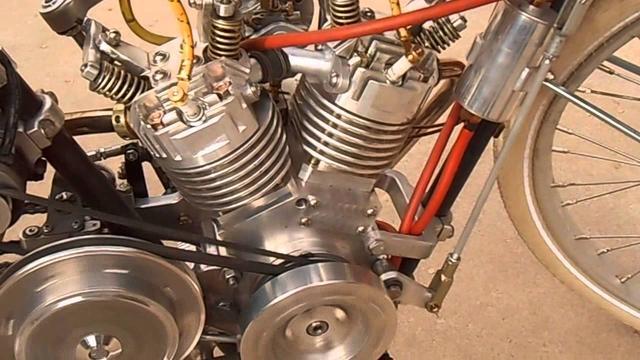 画像: Homemade Motorcycle 45 deg. V twin 175cc out for a Sunday spin. youtu.be