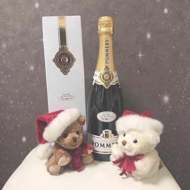 """画像1: Fukunaga Momoko on Instagram: """"投稿した写真が入選しまして ポメリーさんから頂いたシャンパン♡ . . #ポメリー #シャンパン #家飲み #フランス #お酒 #お祝い  #pommery #champagne #france  #follow #followme #lfl #福永桃子"""" www.instagram.com"""