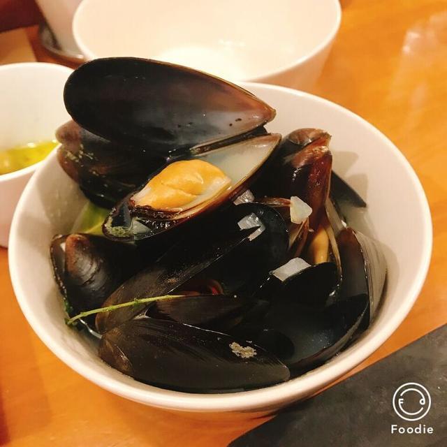 画像: ムール貝のシャンパン蒸し