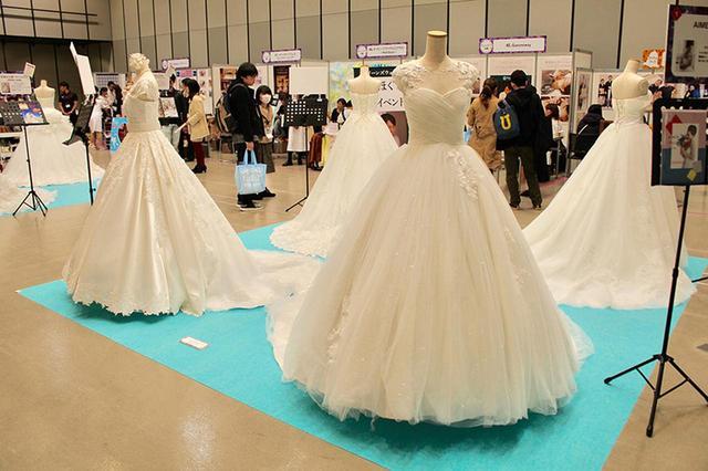 画像: ドレス展示&試着コーナー zexy.net