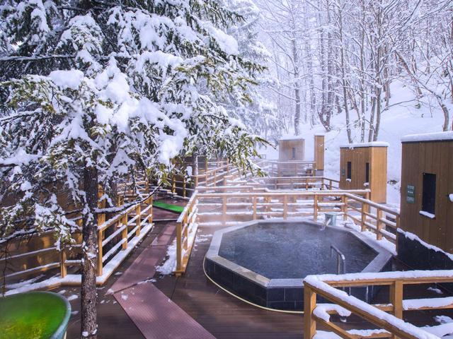 画像: 【森の散歩湯WOOD SPA】温まった身体を冷ましながら湯めぐり出来ます☆ www.jalan.net