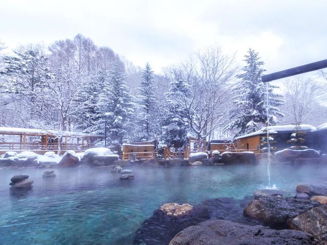 画像: 【大露天風呂HOSHI★ZORA】雪に覆われた北湯沢を一望する150坪の露天風呂! www.jalan.net