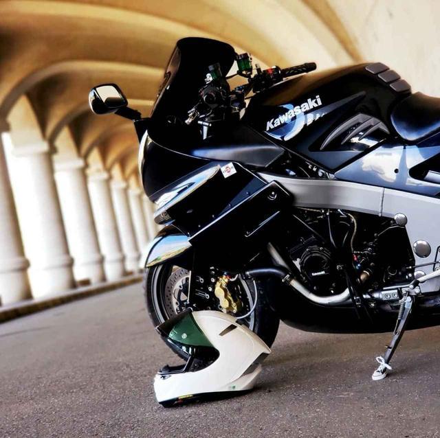 画像: 存在そのものが愛おしくなる、カワサキ ZZR1100!【グラカワインスタ紹介Vol.12】 - LAWRENCE - Motorcycle x Cars + α = Your Life.