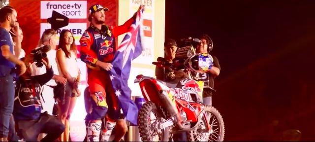 画像: 多くの人からその勝利を祝福されたT.プライス(KTM)。おめでとうございます! www.youtube.com