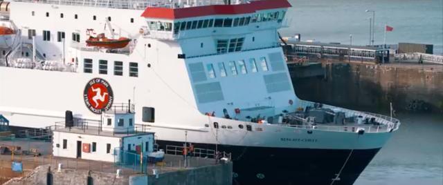 画像: 英本土のリバプールから、マン島へ往復するフェリー。マン島へ行くルートの定番のひとつと言えるでしょう。 www.youtube.com