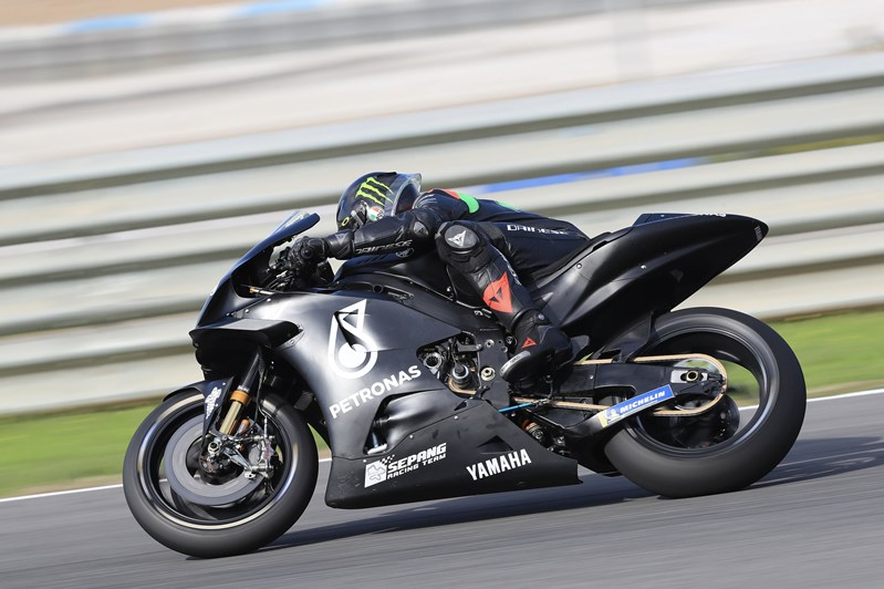 画像: 昨年秋の公式テスト(R.トルモ・サーキット)で、ヤマハYZR-M1を駆るF.モルビデリ。タイムは1分32秒085で、6番手というなかなかの結果でした。2月のセパンテストでは、どのあたりの順位を走るのか・・・注目です! www.yamaha-racing.com