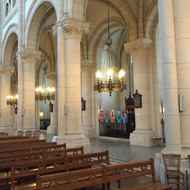 画像: ノートルダム・ド・ラ・クロワ教会