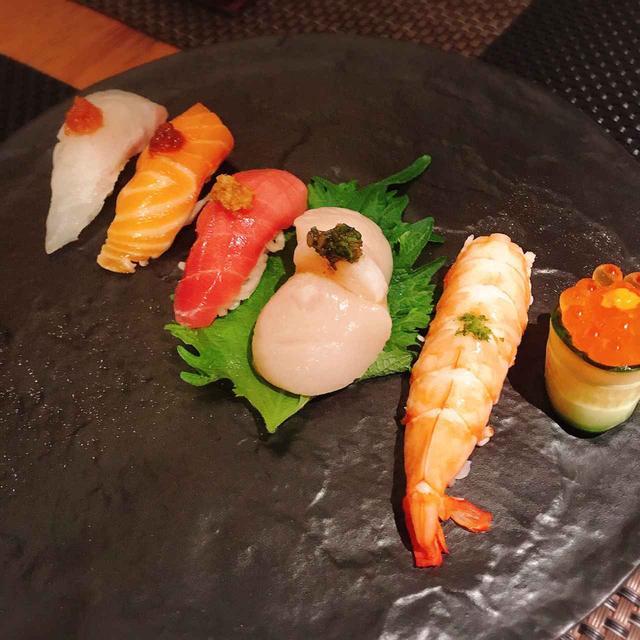 画像: お寿司のようなお刺身サラダ 1500円