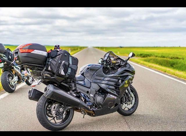画像1: 風を切るってこう言うこと!カワサキ Ninja ZX14R【グラカワインスタ紹介Vol.17】 - LAWRENCE - Motorcycle x Cars + α = Your Life.