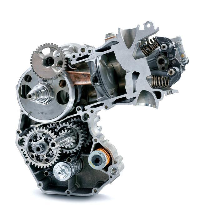 画像: 2009〜2012年のフサベルに採用された、4ストローク単気筒エンジン。 www.rustsports.com