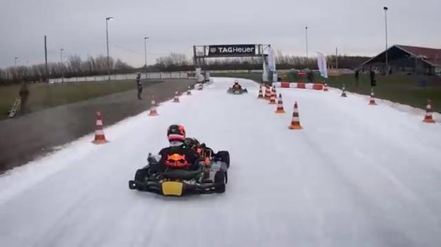 画像: M.フェルスタッペンとP.ガスリーの2人が、氷のコースの上で自由自在にカートを操ります・・・。 www.youtube.com