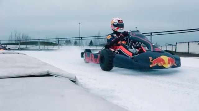 画像: タイヤはブロックタイプですけど、スタッド(スパイク)は打ってなさそう? ですね(多分)。 www.youtube.com