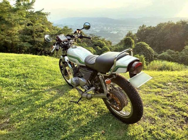画像: 「これぞカワサキグリーン!」素敵すぎるカワサキKH250の癒しの1枚。【グラカワインスタ投稿紹介vol.6】 - LAWRENCE - Motorcycle x Cars + α = Your Life.