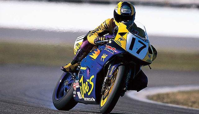 """画像: 1996年勝者のミゲール・デュハメル(ホンダRC45)。通算5勝の""""Mr.デイトナ""""のひとり miguelduhamel.com"""