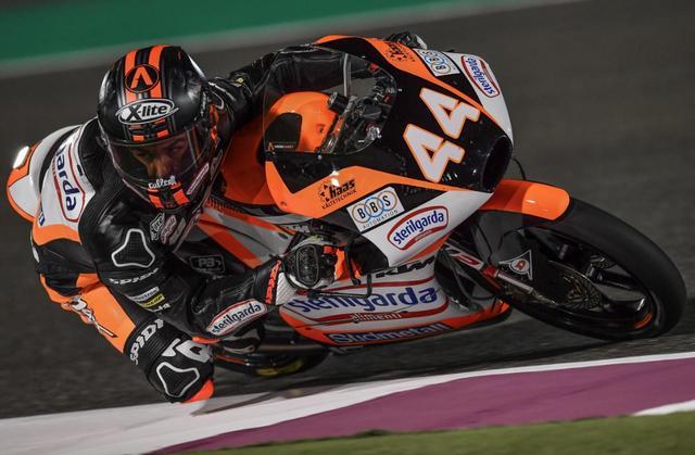 画像: 新チームでいきなりポールポジションを獲得したA.カネット www.motogp.com