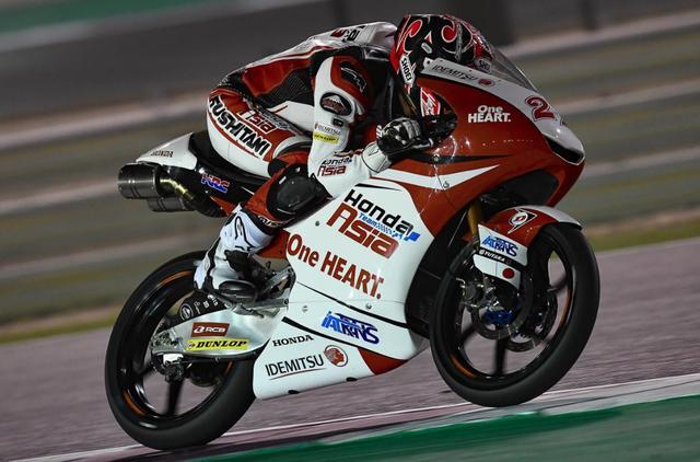 画像: 自己ベストとなる予選3番手と獲得した鳥羽。1列目から初表彰台、初優勝を狙う www.motogp.com
