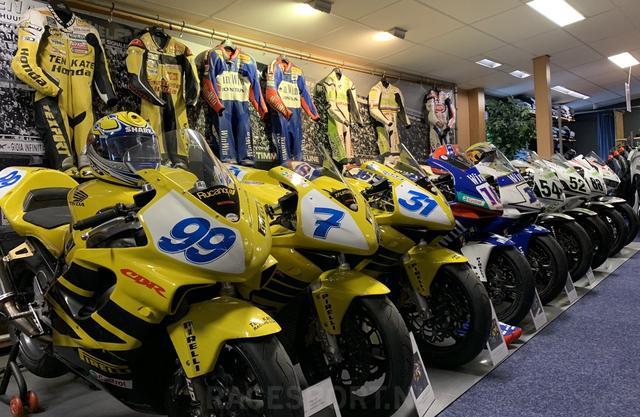 画像: ずらりと並んだチャンピオンマシンたち・・・。テン・ケイト・レーシングは過去に1つのSBKタイトル、そして9つのSSP(世界スーパースポーツ選手権)のタイトルを獲得しています。 tech2.org