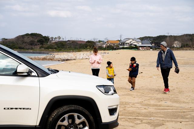 画像: 「多少の砂地であればまったく問題ないですね」と浦山さん。Compassを手に入れてからは、遊びのフィールドが格段に広がったようだ。