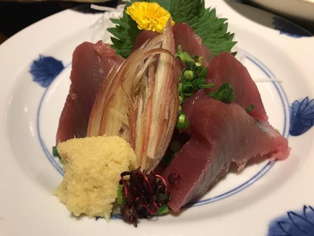 画像: カツオ刺 ¥1380(税込)