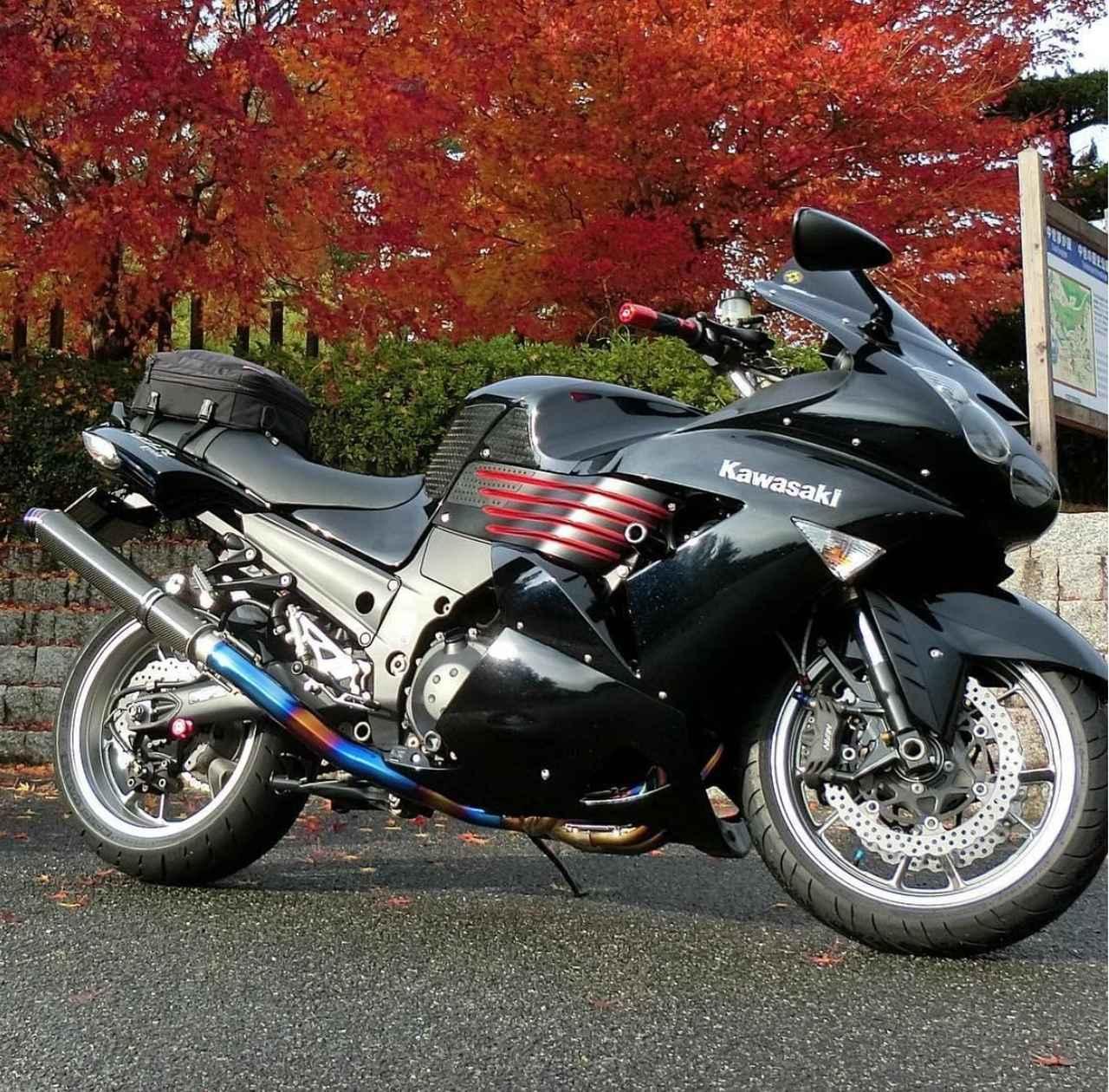 画像: まるで尻尾が生えてる?!美しいサイレンサーカワサキ ZZR1400の一枚【グラカワインスタ紹介Vol.24】 - LAWRENCE - Motorcycle x Cars + α = Your Life.
