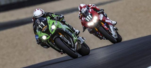 画像: 11番のチーム SRC カワサキ・フランスと、111番のホンダ エンデュランス レーシングが激しいバトルを繰り広げました。 www.fimewc.jp