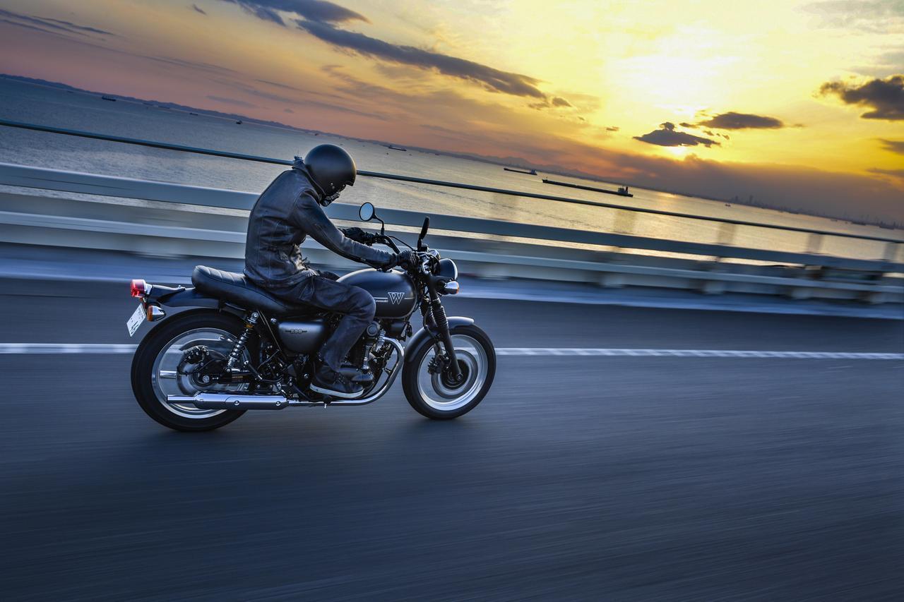 """画像: [AD]  速報/新型『W800』試乗。 もう外車はいらない!? これだ、こういうカワサキ""""W""""が欲しかった! - LAWRENCE - Motorcycle x Cars + α = Your Life."""