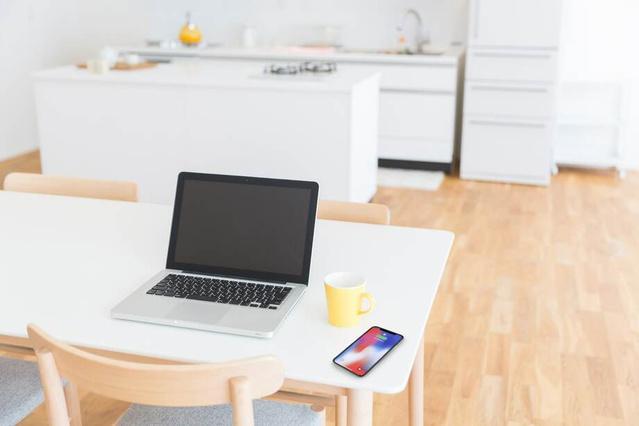 画像: ご自宅のリビング/ダイニングテーブルに www.makuake.com