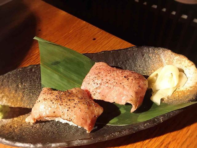 画像1: 変化球で肉寿司も!