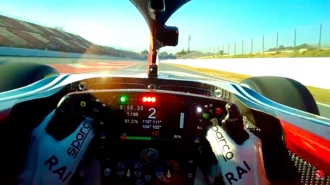 画像: デフ調整、ブレーキバランス、空燃比調整、ピットボタン、無線、エンジンマッピング・・・乗り慣れていれば、どれがどのスイッチか目視しなくても自然に操作できるようになるのですかね・・・? www.youtube.com