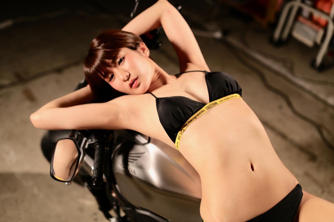 画像2: 【Beauty & Bike】うさことCB650R Vol.13