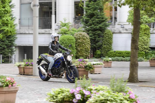 画像1: 大型バイク初心者必見! 自分のバイクを持ったことがないビギナー女子にSV650を乗せてみた!?