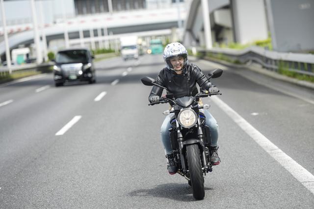 画像2: 中身だけ大型バイク?