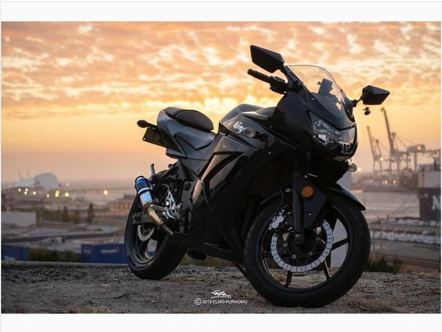 画像: オーストラリアの夕日で輝きを増すKawasaki Ninja250【グラカワインスタ紹介Vol.34】 - LAWRENCE - Motorcycle x Cars + α = Your Life.