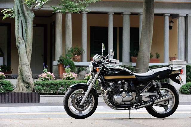 画像: 【1999年 KAWASAKI ZEPHYR750】ゼファーの登場で生まれたNEWカテゴリーネイキッドの誕生【花の90年代組】 - LAWRENCE - Motorcycle x Cars + α = Your Life.