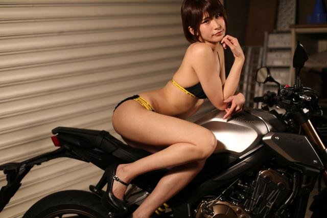 画像2: 【Beauty & Bike】うさことCB650R Vol.19
